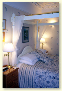 Four poster bed at Roseneath Guest House